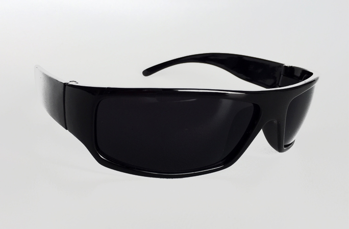 Black masculine sunglasses with raw look - sunlooper.co.uk - billede 2