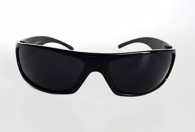 Black masculine sunglasses with raw look
