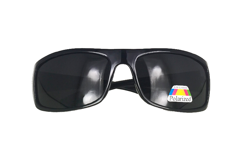 Polaroid solbrille i enkelt design - sunlooper.co.uk - billede 2