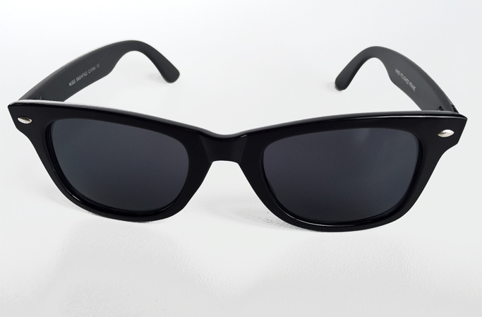 Wayfarer with dark lenses - sunlooper.co.uk - billede 3