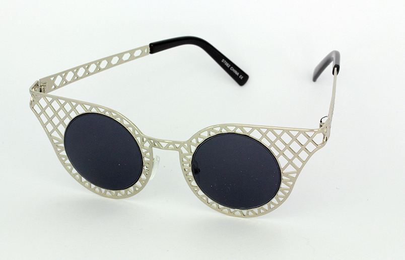 Lovely silver metal grid sunglasses in cateye design