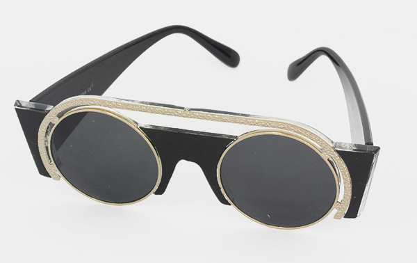 Exclusive, special sunglasses in black and gold