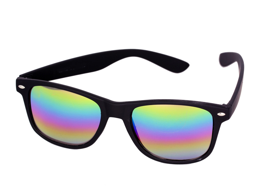 Matte wayfarer sunglasses with multicoloured mirror lenses