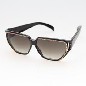 Cheap sunglasses in black with flowers