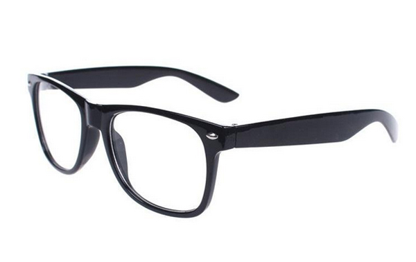 Non-prescription Wayfarers in black