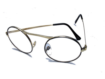 Round glasses with clear lenses