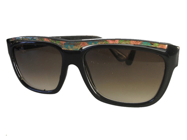 Black sunglasses with flower pattern