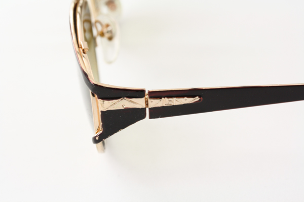Sunglasses in gold and black metal design - sunlooper.co.uk - billede 2