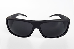 Cool matte sunglasses with raw look