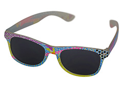 Wayfarer sunglasses in coloured unisex design