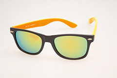 Wayfarer in matte black with orange arms - Design nr. 468