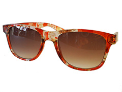 Red wayfarer with pattern