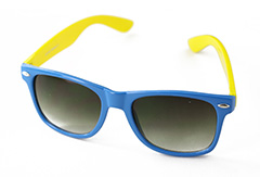Wayfarer sunglasses in blue with yellow arms - Design nr. 895