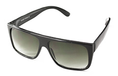 Black macho sunglasses in simple design - Design nr. 909