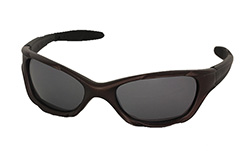 Mens sunglasses in sporty look, dark brown - Design nr. 989